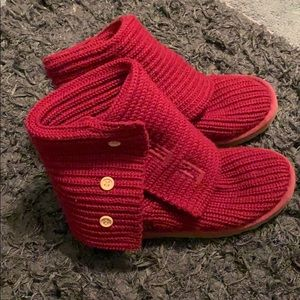 Sangria colored knit Uggs